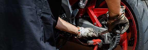 Montaggio gomme auto e moto a Bologna | Officina Grip